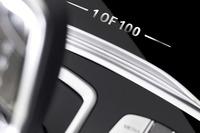 100台限定の中の1台であることを示す専用ロゴ。