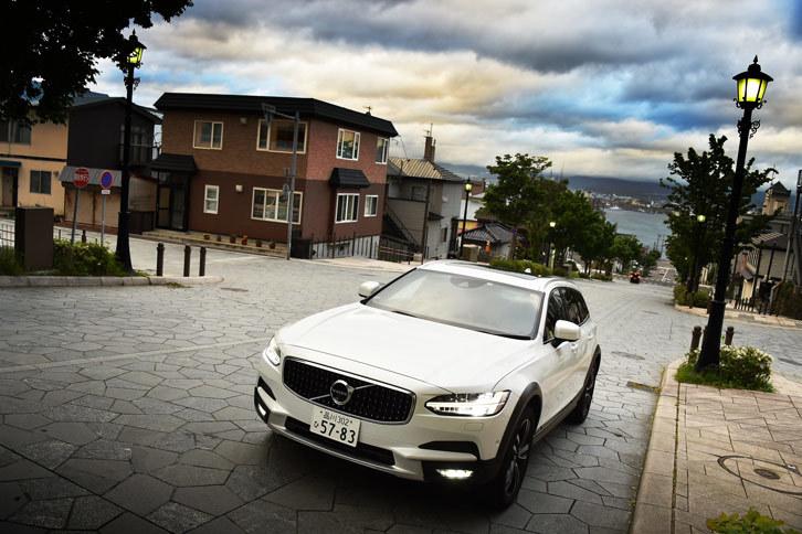 ボルボV90クロスカントリーT5 AWDサマム(4WD/8AT)【試乗記】