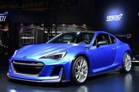 メインステージに展示される「STI Performance Concept」。