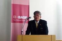 BASFジャパンの鈴木孝雄氏。BASFの高機能プラスチックは、すでに韓国の現代・起亜グループが採用済み。まだ実績はないものの、今後、日本メーカーにも普及を促したいとのこと。