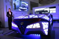 記者会見では、IoT技術や自動運転技術を想定したボッシュのコンセプトカー「コネクテッドカー」によるデモンストレーションも行われた。