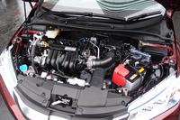 1.5リッター直4ガソリンエンジンとモーターを組み合わせたスポーツハイブリッドi-DCDを搭載する。
