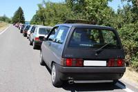 「アウトビアンキA112」など他のアウトビアンキ車も伴って、約30km離れた山間の村までミニツーリングにスタート。