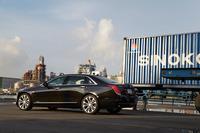 「CT6」は、キャデラックが2020年までに導入する予定の、新世代製品群の第1弾のモデルにあたる。今後、キャデラックのセダンは同車にならい、「CT+数字」の3文字の車名になるという。