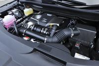 「RX200t」の2リッター直4直噴ターボエンジン。1650rpmという低回転域から35.7kgmの最大トルクを発生する。