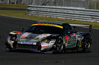 No.30 RECKLESS MR-S(佐々木孝太/山野哲也組)がGT300クラス優勝。ラインキングトップを堅持した。(写真=トヨタ自動車)