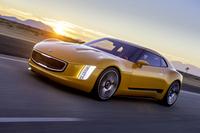 2014年デトロイトショーでキアが参考出品した「GT4スティンガー」。