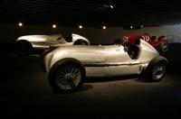 レースカーも、初期のモノから展示される。