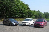 左から「RS Honda SENSING」「ハイブリッドL Honda SENSING」「ハイブリッドS Honda SENSING」。