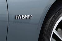 新型「スカイライン」の日本における取り扱いは、発売時点ではハイブリッド車に限られる。なお、海外の市場では、ガソリン車もラインナップされる。