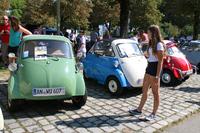 「BMWイセッタ」は女性や子どもの人気者。2016年9月、ミュンヘンで開催された「BMWフェスティバル」にて。