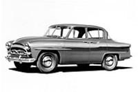 1955年に誕生した初代「トヨペット・クラウン(RS)」。徳大寺さんが日本車を評価するにあたって、原点となったモデルである。
