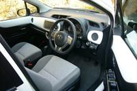 「インテリアパネルセット」でドレスアップした車内の様子。個別のワンポイントアイテムも多数用意される。