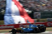 地元で期待のかかったルノー&ミシュランのマッチングは、フェラーリ&ブリヂストンにかなわず。アロンソ(写真)2位、ジャンカルロ・フィジケラは6位どまりだった。(写真=Renault)