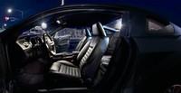 黒に染まった「フォード・マスタング」限定販売