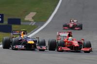 フェラーリは予選でフェリッペ・マッサ(写真右)8位、キミ・ライコネン9位とトップ10に食い込み、スタートでKERSの利点を活かしたマッサが5位にジャンプアップ。3ストップのブラウン勢を抜き、マッサは今年初めてのポディウム、3位を獲得した。ライコネンは原因不明のパワーロスに見舞われリタイア。(写真=Ferrari)