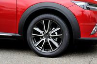 「XDツーリング Lパッケージ」のタイヤサイズは215/50R18(写真)。ベーシックグレードの「XD」には215/60R16サイズが装着される。