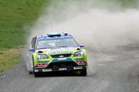 1-2フィニッシュを目前に、フォードは最後のミスで勝利を取りこぼした。写真は、快走を見せるヒルボネン。