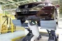 燃料電池車「ホンダFCXクラリティ」がラインオフの画像
