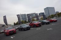 マツダが先進安全技術「i-ACTIVSENSE」を標準装備化すると発表した新世代商品群の5車種。「ロードスター」は車高が低く、カメラやセンサーの取り付けられる高さに制限があるため、標準装備化はまだ準備中とのことだ。