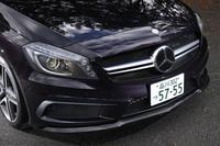 ほかのAMGモデルと同じく、外観における標準車からの変更は控えめ。写真のカーボンリップスポイラーなどは「AMGカーボンパッケージ」に含まれるオプション装備だ。