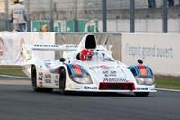 1977年に「ポルシェ936」で優勝したドライバー、ユルゲン・バルトが自ら同じクルマをドライブ。みごとクラス6のトップに輝いた。