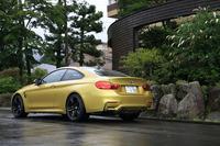 Mシリーズの最新モデルである「M4クーペ」は、「M3セダン」ともども2014年1月のデトロイトショーで世界初公開。日本では2月に受注が開始された。