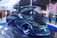 未来の電気自動車をイメージした「シボレーFNR」。