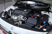 「GLA45 AMG 4MATIC Edition 1」に搭載されるエンジンはメルセデスAMG社が開発した2リッター直4ターボエンジン。360psと45.9kgmを発生する。