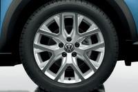 VW「クロストゥーラン」にツートンの内装色採用の画像