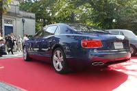 「フライングスパー V8」のテールパイプは「コンチネンタルGT V8」と同様、8の字型のデザインとなる。