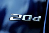トランクリッドに貼られた「20d」バッジ。このバッジを見なければ、外観だけでディーゼルかガソリンかを見分けるのは容易ではない。