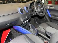 アウディA1にサムライブルー仕様の特別限定車の画像