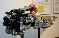 富士重工、開発中のハイブリッド車搭載システムなどを公開