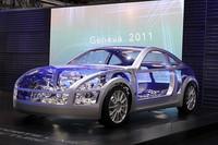 トヨタとFRスポーツを共同開発するスバルはランニングシャシーを展示。車高はケイマンよりも低いという。