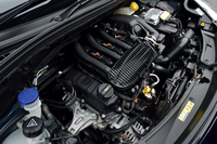 「C3」のエンジンルーム。新パワートレインを搭載した「C3」は、1.6リッターから1.2リッターへと排気量を大幅にダウンサイジング。燃費が約57%アップして、19.0km/リッター(JC08モード)となった。
