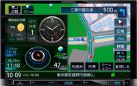 INFOウィンドウではアナログ時計やカレンダー、天気予報、ECO情報、速度など多彩な情報を表示する。 オープン価格(実勢価格11万円前後)
