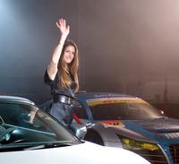 この日は、SUPER GT初の女性ドライバーとなるシンディ・アレマン選手も姿を見せ、会場を沸かせた。