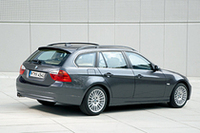 お値段据え置きで「BMW3シリーズツーリング」の装備充実の画像