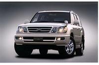 トヨタ「ランドクルーザー100シリーズ」マイナーチェンジの画像