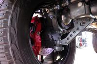「ポータルアクスル」が採用された「G550 4×4²」の足まわり。車輪側にハブリダクション機構を備えることで、最低地上高を高めることができる。