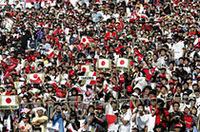 """""""タクマ効果""""か、今年は例年以上に多くの観客が鈴鹿サーキットにつめかけた。決勝日には15万6000人がレースを見守ったと伝えられる。(写真=本田技研工業)"""