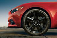 フォード、マスタングの50周年記念車を追加販売の画像