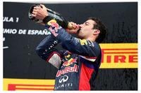 開幕戦を2位で終えるもレギュレーション違反で失格、レッドブル移籍後初レースでの大健闘にケチがついてしまったダニエル・リカルドだったが、その後リタイア、4位2回を経てついに自身初の表彰台となる3位入賞を果たした。(Photo=Red Bull Racing)
