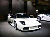 「ムルシエラゴ」も、お揃いの白の外装色。