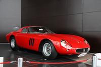特別展示された「1963年フェラーリ250GTO」。1962〜64年のスポーツカー・メイクス選手権を3連覇した、フェラーリ史上もっとも有名かつ高価な1台。この個体は最後のフロントエンジンのレーシングフェラーリとなった64年のシリーズ2風のモディファイを受けている。