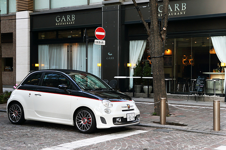 アバルト595Cツーリズモ(FF/5AT)……364万円得意の小排気量チューニングにより、日本でもカルト的な人気...