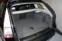 荷室は通常時で477リッター。シートを倒すことにより1331リッターまで拡大する(いずれもVDA法)。
