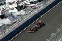 2戦連続で復活を印象付けたマクラーレン。苦手とされる高速コーナーのあるスパ・フランコルシャンでの次戦ベルギーGPではそうはいかないだろうが、予選でフロントロー独占、ルイス・ハミルトン(写真)2位という戦績から、今後の活躍は充分期待できる。なおマクラーレンは4位にヘイキ・コバライネンが入り、コンストラクターズポイントは41点でランキング4位。3位フェラーリとの差はわずか5点である。(写真=Mercedes Benz)