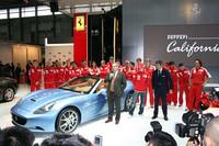 フェラーリブースでは、4月19日に行われたF1中国GPを戦ったキミ・ライコネンをはじめとするF1クルーが集結し、「フェラーリ・カリフォルニア」を中国で初公開した。